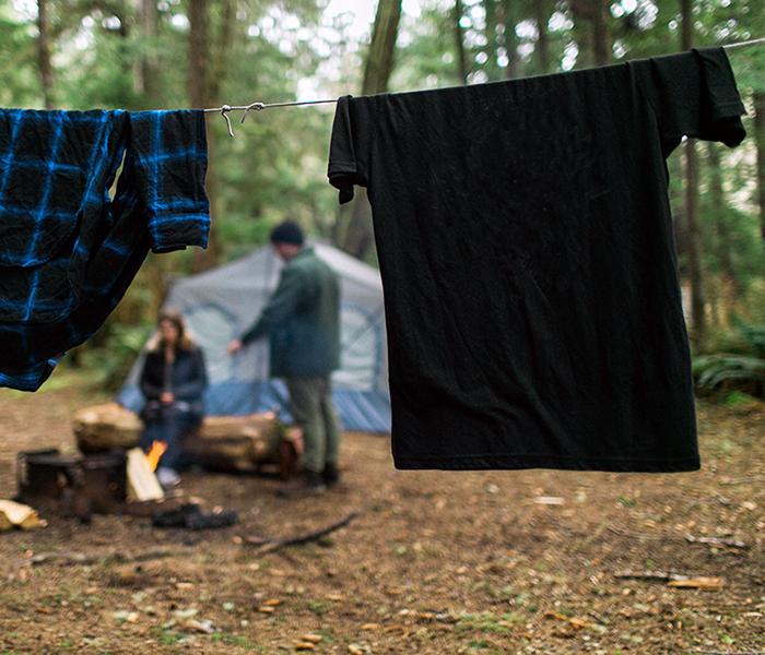 tøj til tørre i skoven